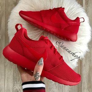NWT Nike ID Roshe One Triple Red Custom